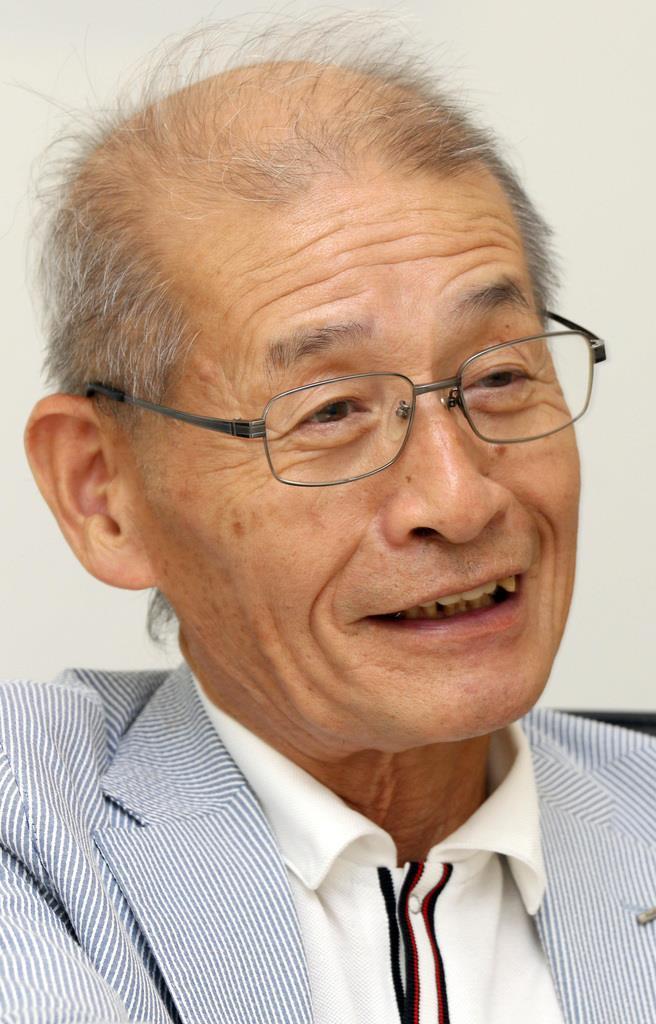 インタビューに答える吉野彰さん=2013年9月
