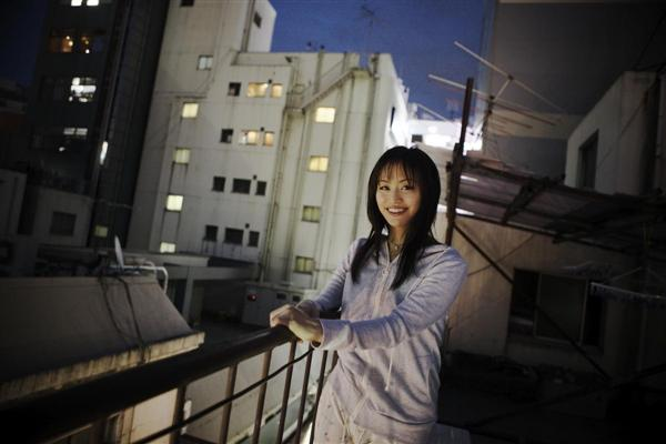 現役時代から同僚の踊り子や裏方のインタビューをしてきた牧瀬茜さん(撮影・米山真人)