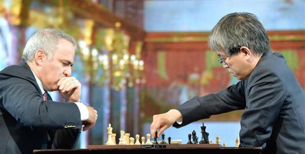 将棋の羽生善治がチェス元世界王者とチェス対決 結果は完敗 ...