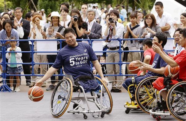 spo1508250023 p1 - ベンチプレス最高130キロ!日本代表、香西宏昭選手が「車いすバスケ」の魅力を伝える