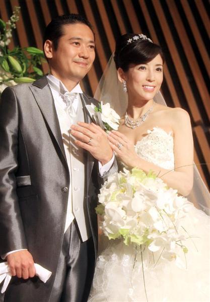 結婚式での川島なお美。