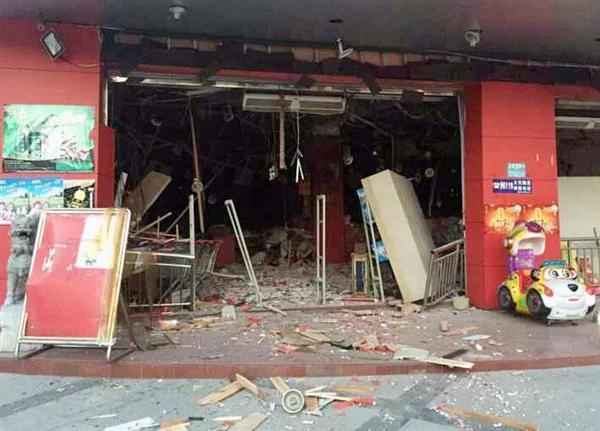 中国・広西チワン族自治区柳城県の爆発があったスーパーマーケット=30日(共同)