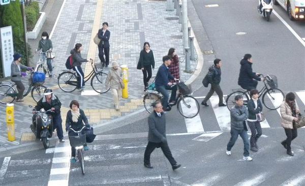 の議論】「自転車にヘルメット ...