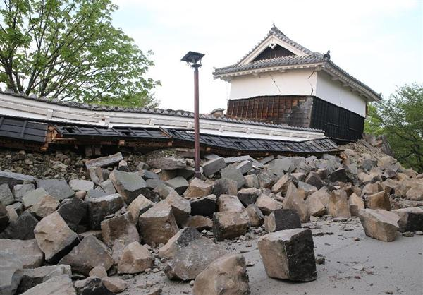 崩落した熊本城西大手門付近の城壁=熊本市(撮影・中島信生)