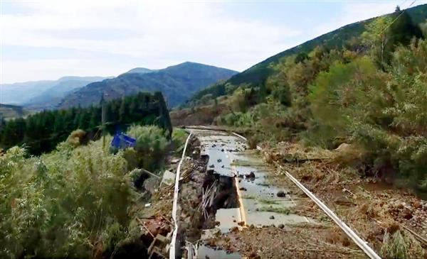 16日、国土地理院が小型無人機で撮影した熊本県南阿蘇村の土砂崩れ現場