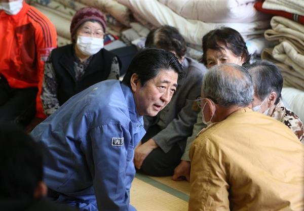 熊本地震】安倍首相が被災地視察...