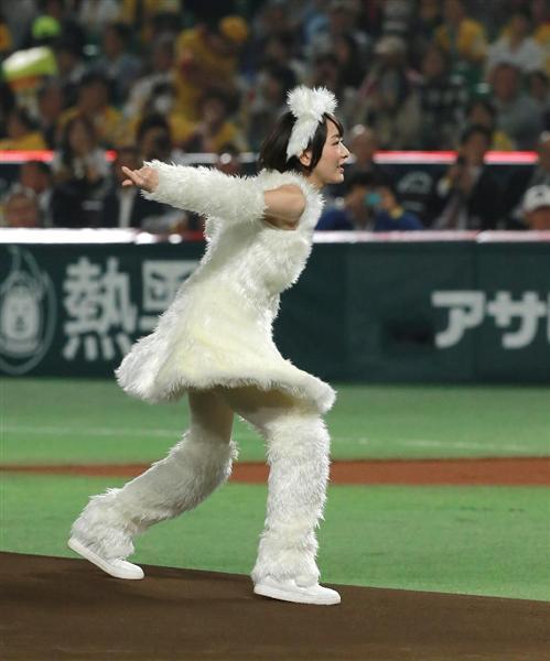 始球式の生駒里奈さん