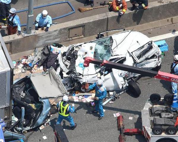 阪神高速湾岸線で4台絡む玉突き事故、1人死亡10人 …