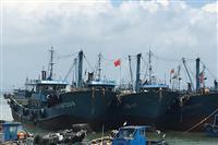 出発を待つ中国漁船=福建省(矢板明夫撮影)