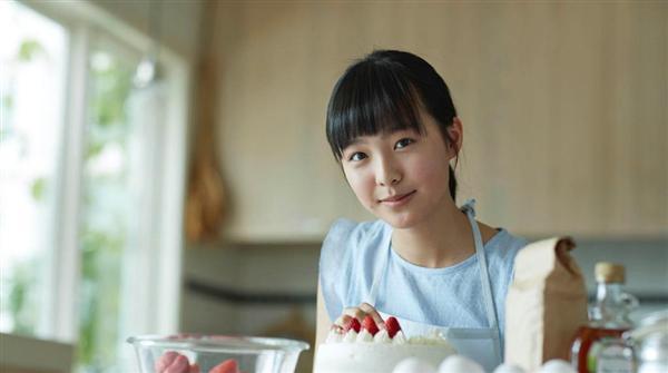 ショートケーキを作る駒井蓮