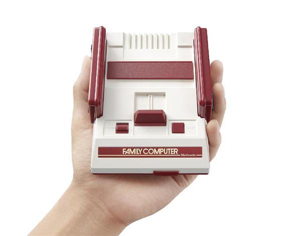任天堂が発表した、家庭用ゲーム機「ファミリーコンピュータ」を小型化して再現したゲーム機