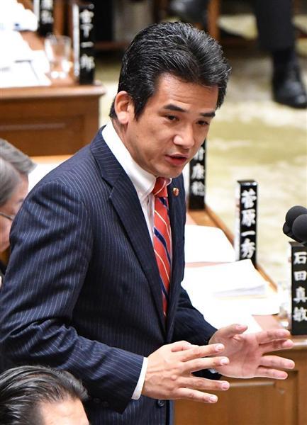 衆院予算委員会で、質問する民進党の緒方林太郎氏=12日午前、国会・衆院第1委員室(斎藤良雄撮影)