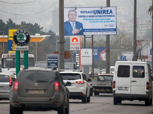 モルドバ大統領選、親露の野党候...
