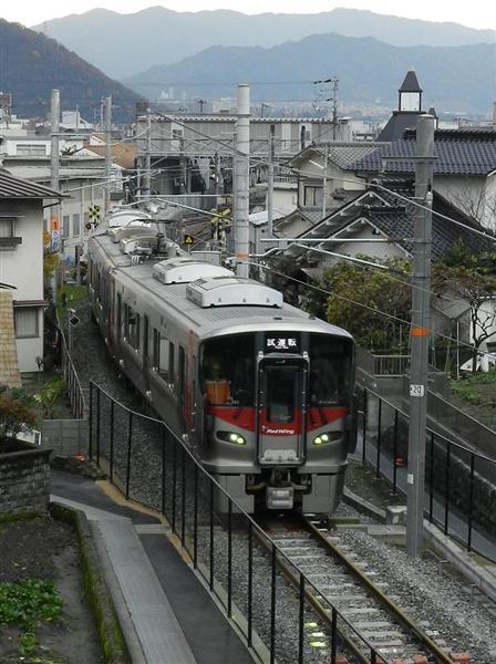 廃止路線の復活へ試運転 広島・J...