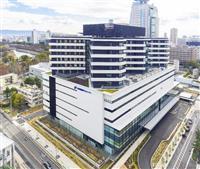 笑いががん治療に効果があるか研究する大阪国際がんセンター=大阪市中央区(大阪府立成人病センター提供)