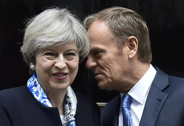 【Brexit】EU大統領、英外相辞任で離脱取りやめの可能性示唆 YouTube動画>1本 ->画像>10枚