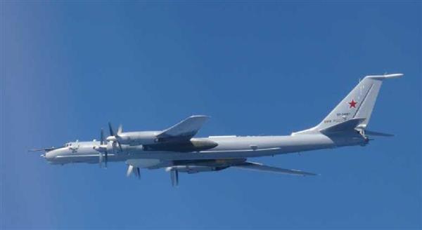 【国際】ロシア機6機が接近、空自スクランブル 千葉県沖まで南下は11日以降で3回目 在日米軍や自衛隊の動向調査か [無断転載禁止]©2ch.netYouTube動画>23本 ->画像>4枚