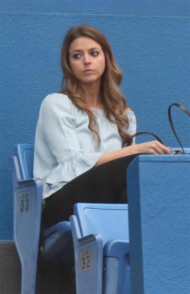 【噂の美人妻キターーー!】ヤクルトのブキャナン夫人アシュリーさん26歳 神宮観戦で夫の好投をアシスト