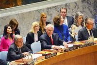 28日、ニューヨークの国連本部で開かれた安全保障理事会の閣僚級会合に出席したティラーソン米国務長官(前列中央)(共同)