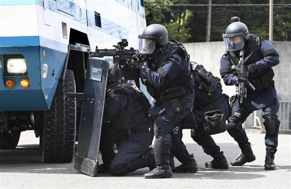 【警視庁】サブマシンガンの射撃の腕を競う大会を開催 機動隊に所属する緊急時初動対応部隊「ERT」の隊員約70人が参加->画像>28枚