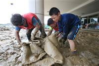 【九州北部豪雨】猛暑に被災地の疲労濃く…進まぬ泥出し、片付け