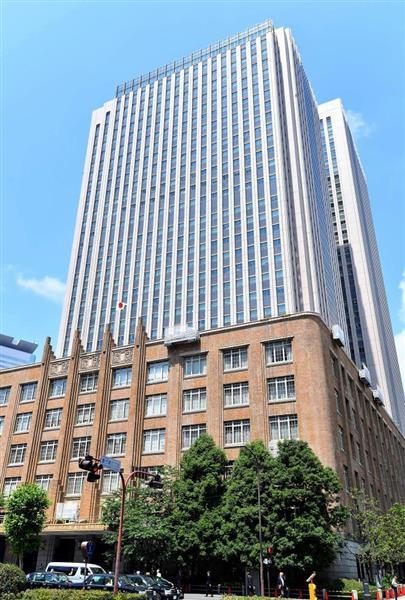 前川喜平氏(円内)が次官を務めた文科省には問題が山積している