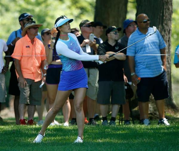 【ゴルフ】 女子ゴルファー、肌の露出はどこまで? 米では罰金含めたルールスタート…日米で温度差