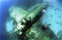 【銀幕裏の声】サイパン島極秘作戦 決死の胴体着陸、飛び出した兵士が自転車でB29に爆弾…