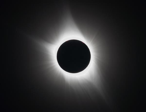アメリカで観測された皆既日食=21日午前11時34分(現地時間)、アメリカ・アイダホ州レクスバーグ(山田哲司撮影)