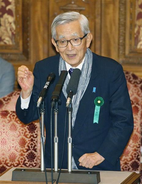 参院の閉会中審査で発言する愛媛県の加戸守行前知事=10日
