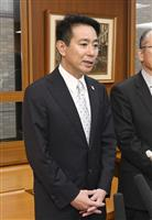記者団の質問に答える民進党の前原代表=7日午前、東京都内(共同)
