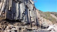 熊本地震の復興工事でジオパーク破壊…南阿蘇・立野峡谷の「柱状節理」