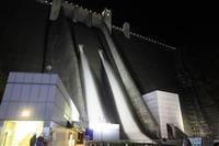 平成28年11月、神奈川県愛川町民を対象に開催された宮ケ瀬ダムの「ナイト放流」