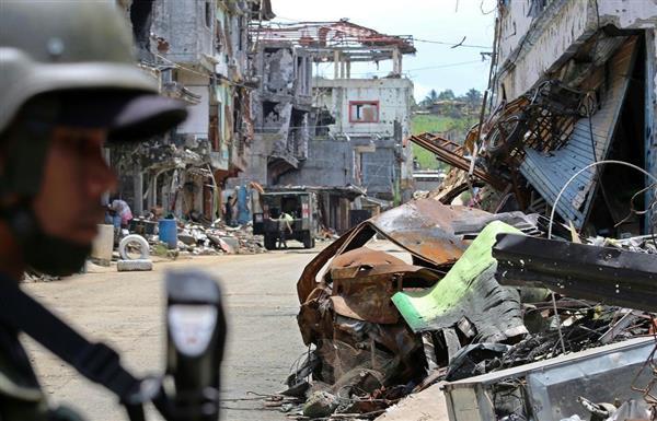 27日、イスラム過激派と激戦の末に政府軍が奪還した、フィリピン南部マラウイの中心部