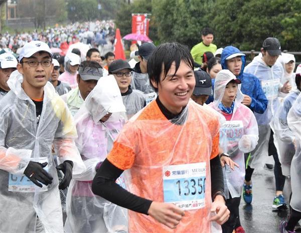 【水戸黄門漫遊マラソン】本紙・鴨川一也記者が42・195キロを完走 雨でも沿道からの熱…