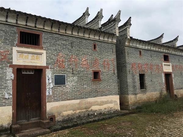 江西省富田村にある毛沢東の旧居。訪れる人はいない(藤本欣也撮影)