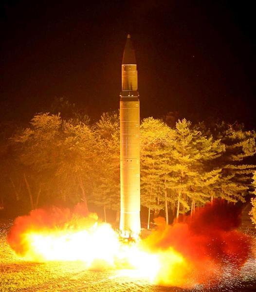 大陸間弾道ミサイル(ICBM)「火星14」型の第2回試射=7月28日(朝鮮中央通信=朝鮮通信)