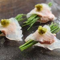 【料理と酒】「このハゲーっ!」を美味しく カワハギの肝と芽ネギ包み