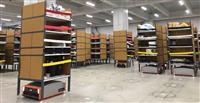 【ビジネスの裏側】棚ごと運ぶ物流ロボット 倉庫の作業効率4倍超、55人が10人に 負担…