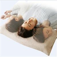 丸洗いOK。何回寝返りしても最適な高さに自動調節する枕