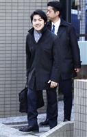 【眞子さまご結婚延期】小室圭さん、心境は語らず 笑顔であいさつ、出勤