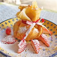 【料理と酒】バレンタインに イチゴのオモニエール 巾着クレープ包み