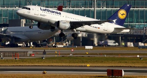 ルフトハンザ航空のA319-100=1月9日、チューリッヒ(ロイター)