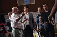 【銀幕裏の声】ジョン・ウー監督を大阪へ呼んだ男 近鉄電車逆走の要求にも… 映画「マンハ…