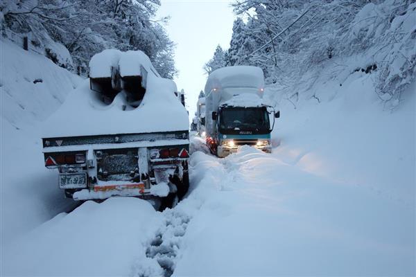 【福井大雪】ガソリン貯蔵あるのに運べない、幹線の立ち往生も頻発…記録的豪雪が問いかけたこと(1/4ページ) - 産経ニュース
