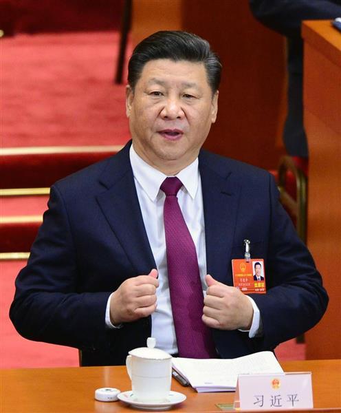 中国全人代に臨む習近平国家主席=5日、北京の人民大会堂(共同)