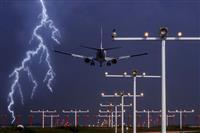 """「パイロットも酔う」ほどの暴風が襲った米東海岸 """"安全着陸""""が至上命題のコックピットで…"""
