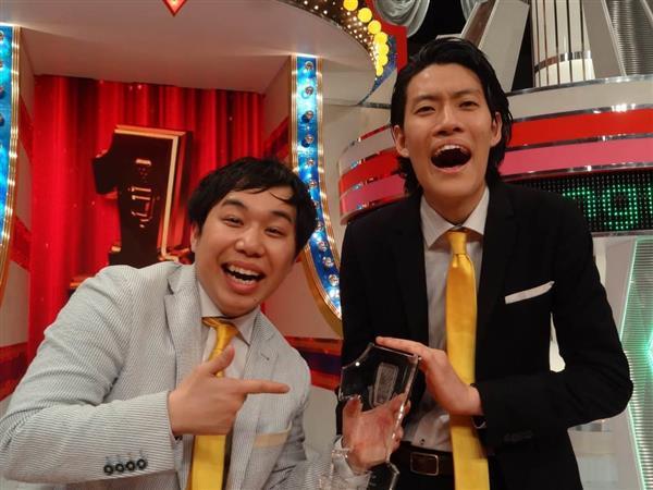 「第7回ytv漫才新人賞決定戦」で優勝したお笑いコンビ「霜降り明星」せいやさん(左)と粗品さん