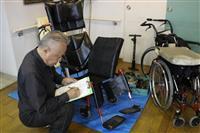 【関西の議論】車いすに「カルテ」兵庫・尼崎の自転車店主が考案、その理由とは