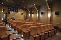 【大人の遠足】老舗酒蔵跡で映画楽しむ 埼玉・深谷市の深谷シネマ